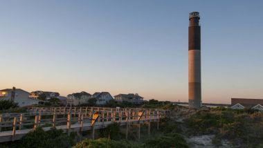 Oak Island Lighthouse-crop(1,0.958,0,0,r3)