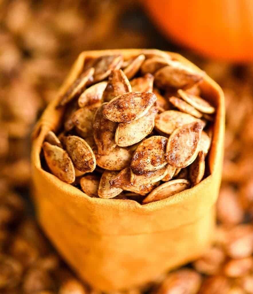 Homemade-Cinnamon-Sugar-Pumpkin-Seeds-recipe-dairy-free-gluten-free-healthy-vegan-paleo-7-883x1024